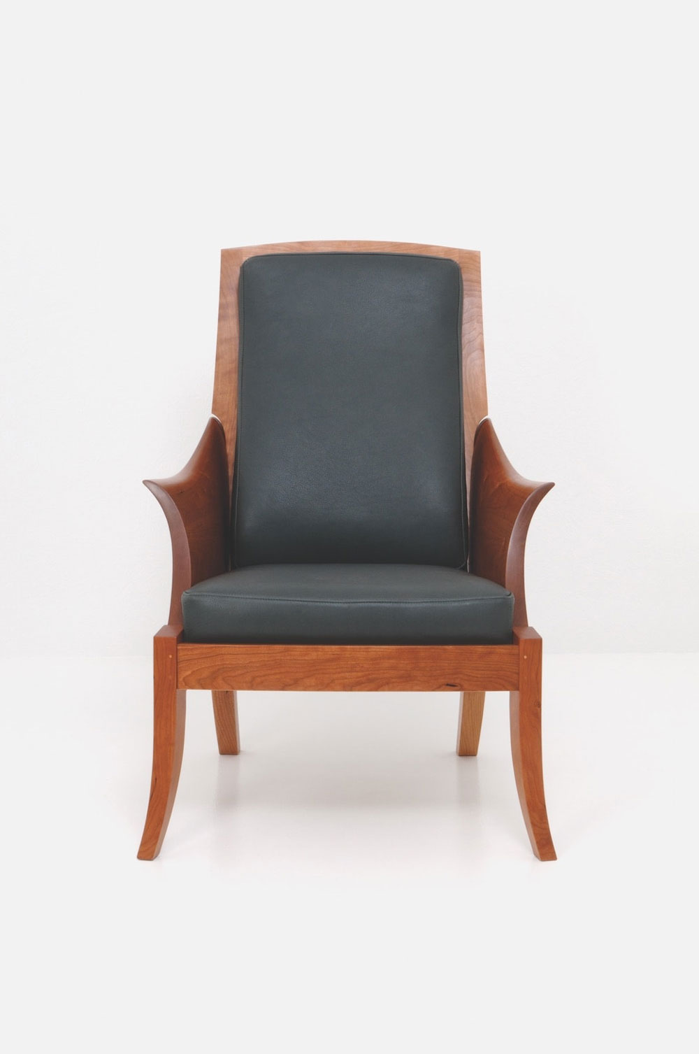 Wood Club Chair Wing Chair