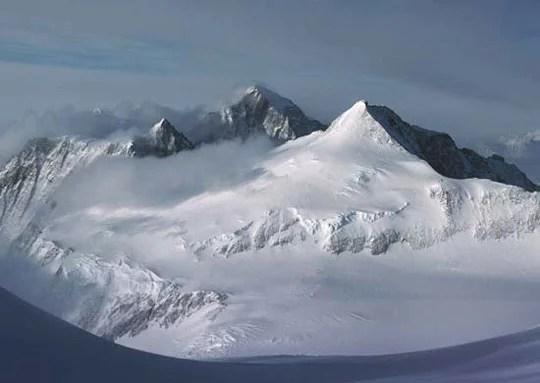 Antarctica-Transantarctic-MtnRange-brian