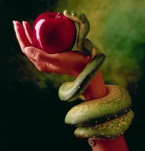 inana-eva-serpente-maça