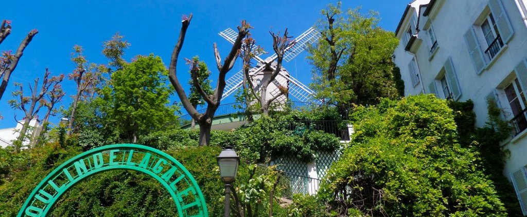 Montmartre Tour: Windmills and Hidden Gems