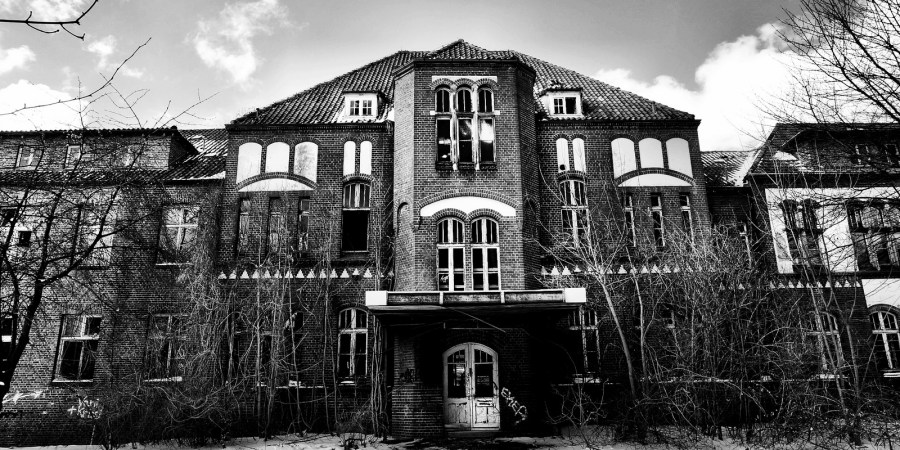 49 Real Nurses Share The Terrifying Hospital Ghost Stories That Scared Them ToDeath