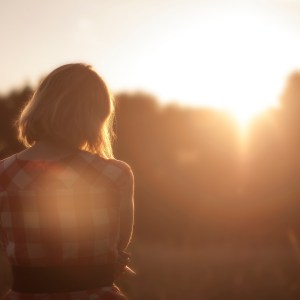 40 Small Ways You Can Be A Light In Someone's Darkness