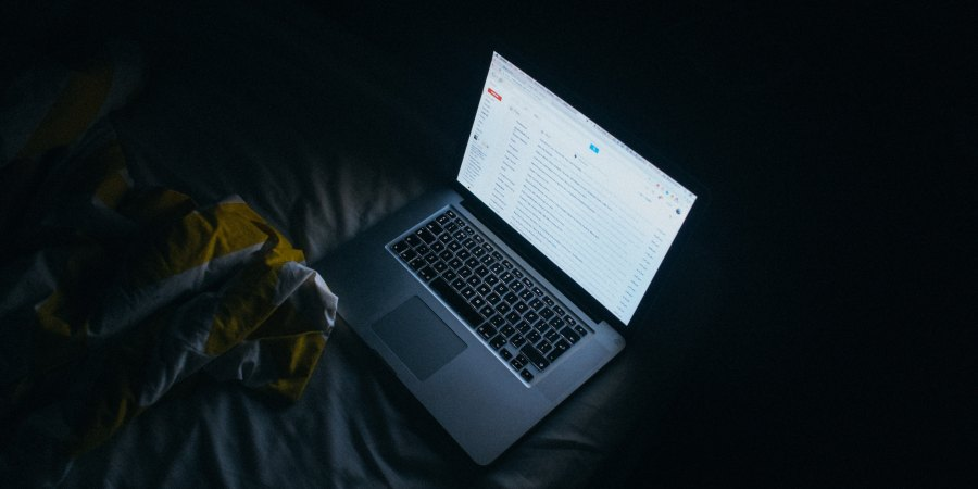 25 Internet Addicts Talk About Their Creepiest Online Experience