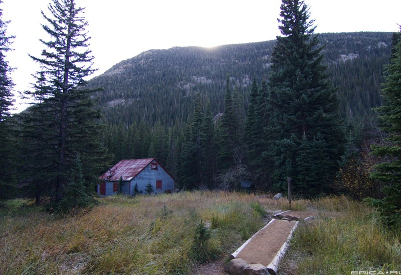 Cabin near the start of the trail