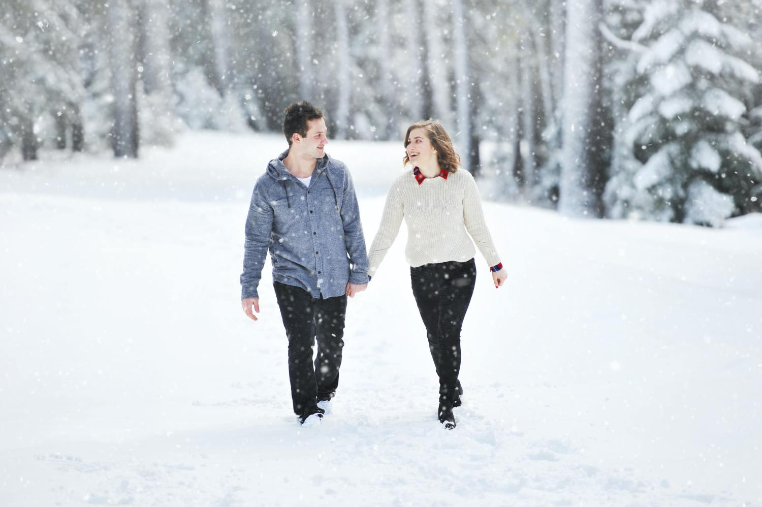 Mixed Signals From A Girl With A Boyfriend? Run!