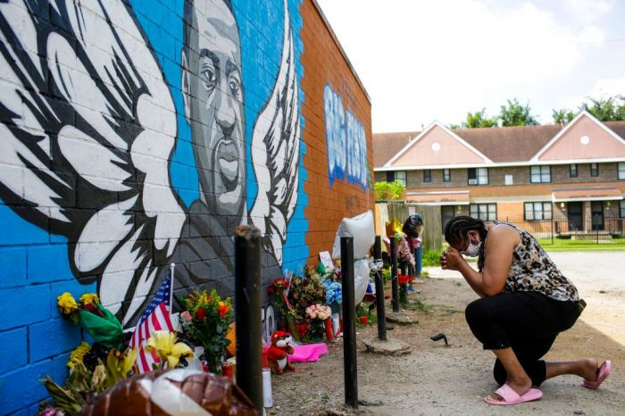 minneapolis teenager who recorded george floyd's fatal arrest honored with award for courage