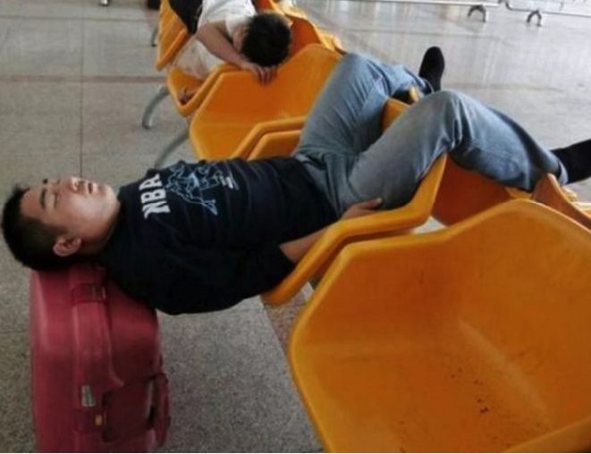 25 bizarre and hilarious sights people have witnessed at the airport