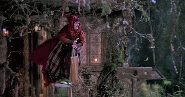 sarah jessica parker confirms all og witches have agreed to star in 'hocus pocus' sequel