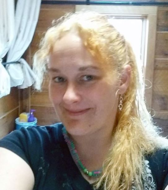 woman busted wearing bag of meth disguised as hair bow