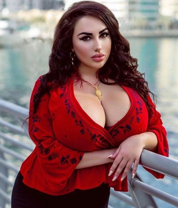 model says she's bullied in the streets over her naturally large chest