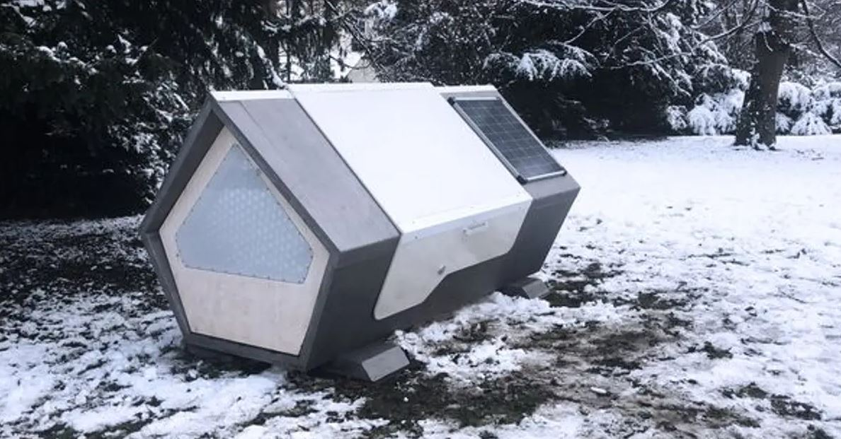 german city builds solar power sleeping pods to keep its homeless warm