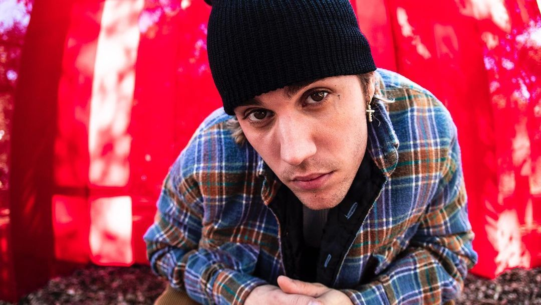 twitter calls out justin bieber for 'cultural appropriation' because of his dreads