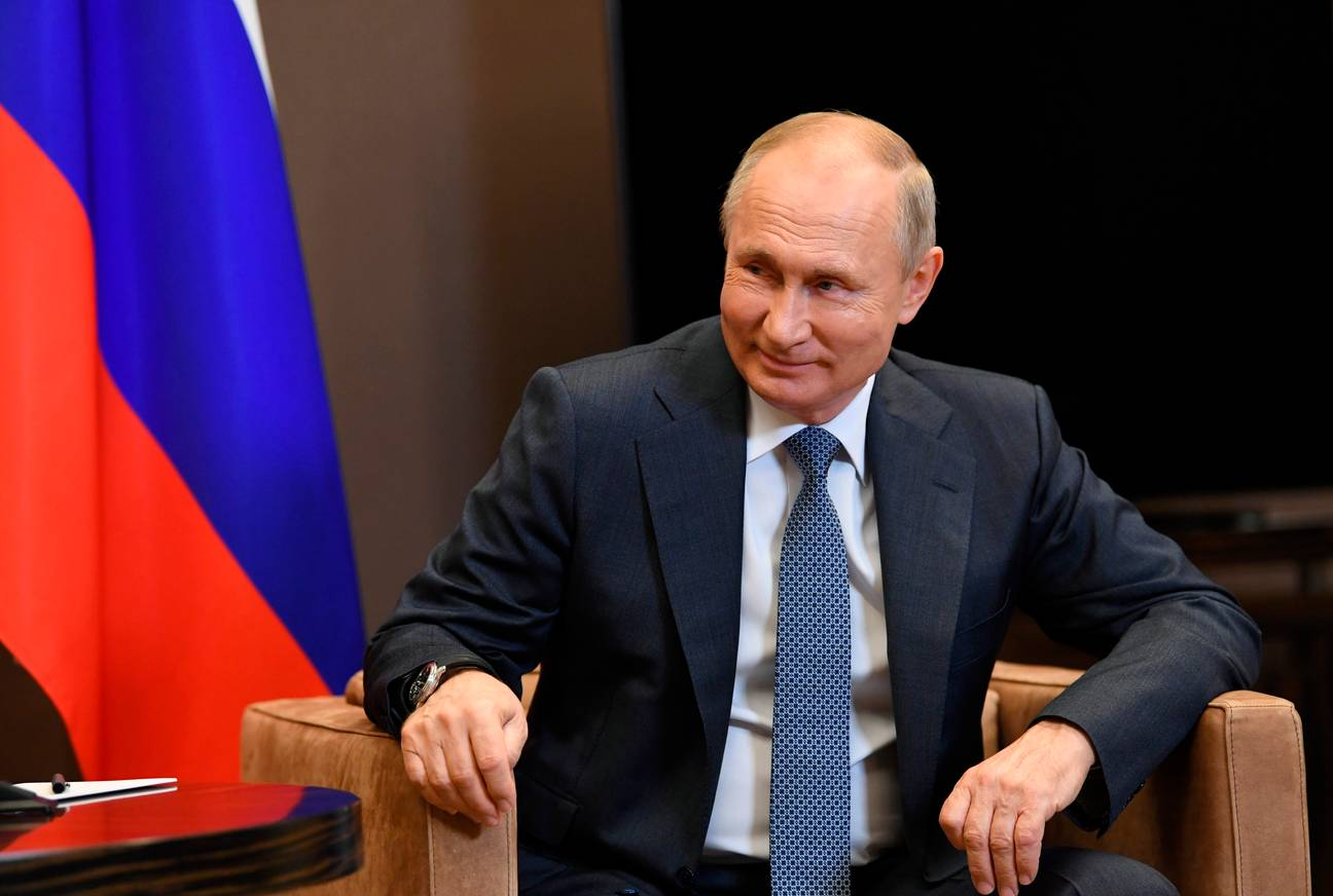 putin signs new law that allows aim to stay in power until 2036