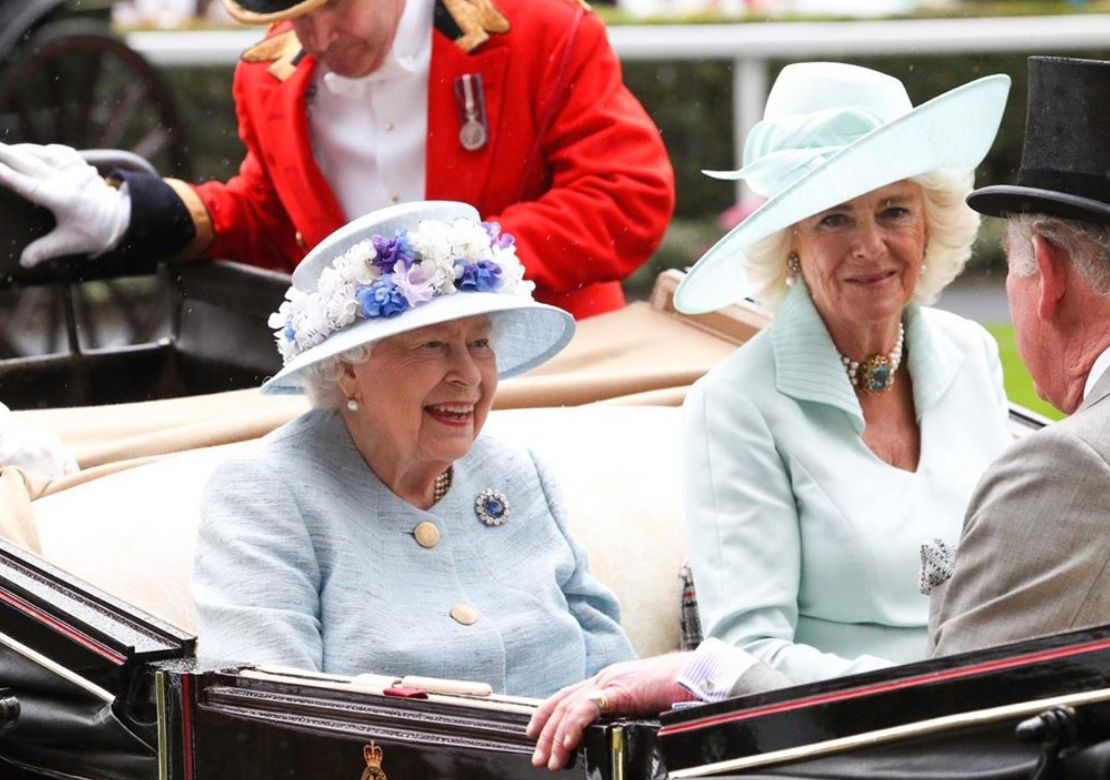 here's exactly what's going to happen when the queen passes away