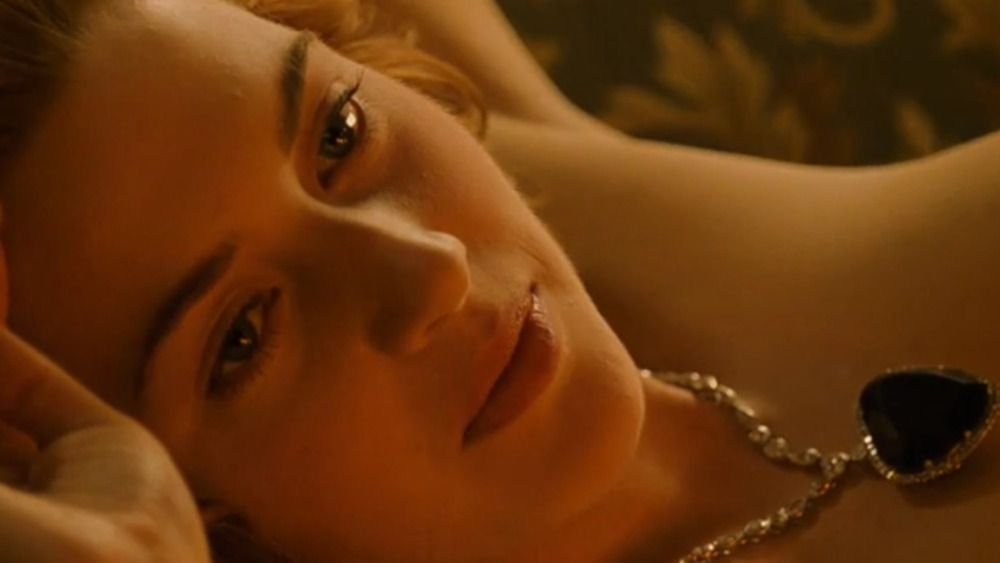 """kate winslet opens up about rejecting suggestion to photoshop sex scene in """"mare of easttown"""""""