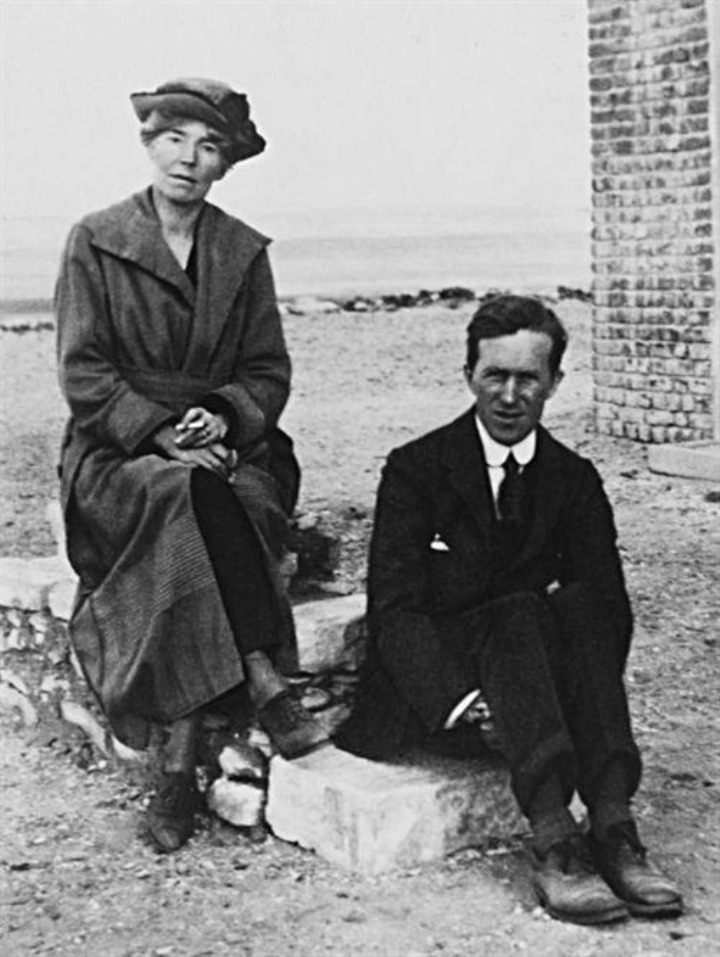 """The Controversial Story Of Gertrude Bell, The British """"desert Queen"""" Of Iraq"""