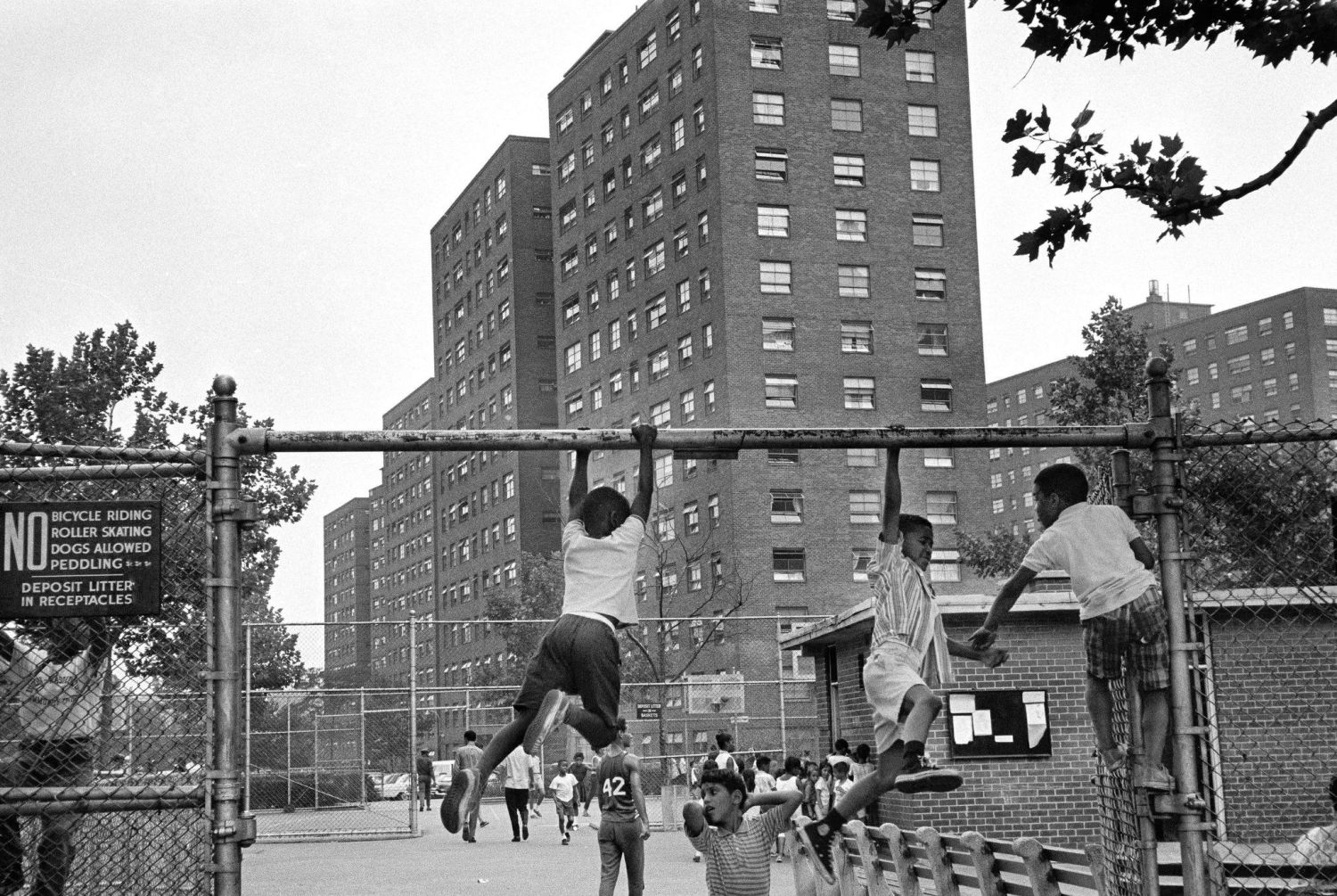 A City On The Brink: 1960s New York Photos Detailing The Decades Most Prominent Moments.