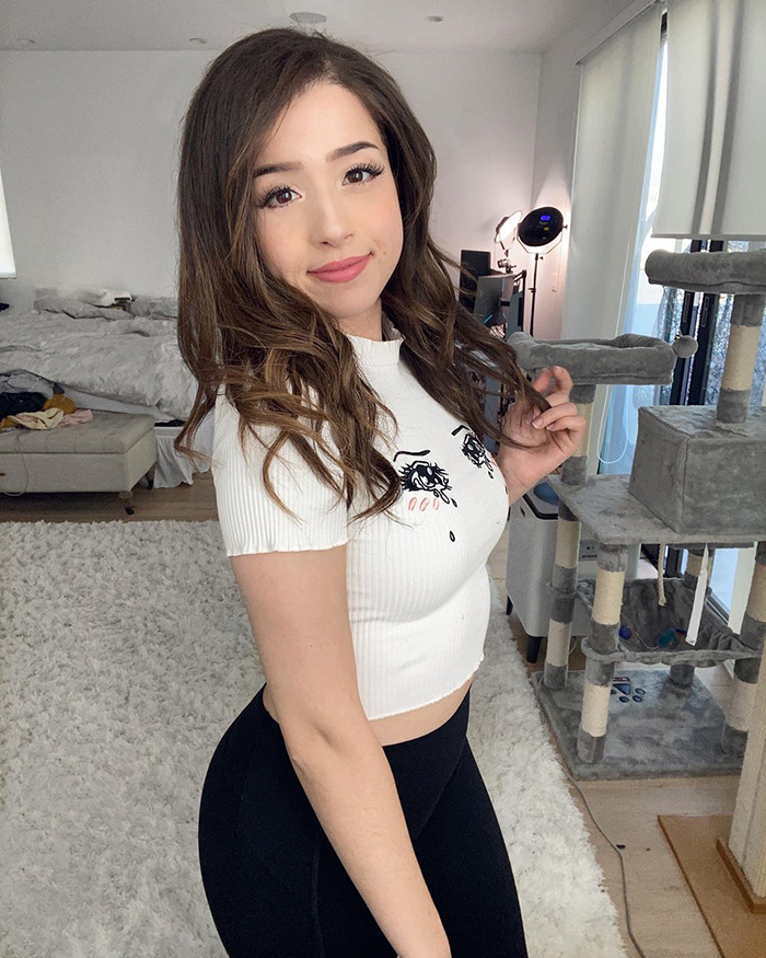 """Meet Twitch's Top Female Streamers – With Some """"earning More Than £600k"""""""