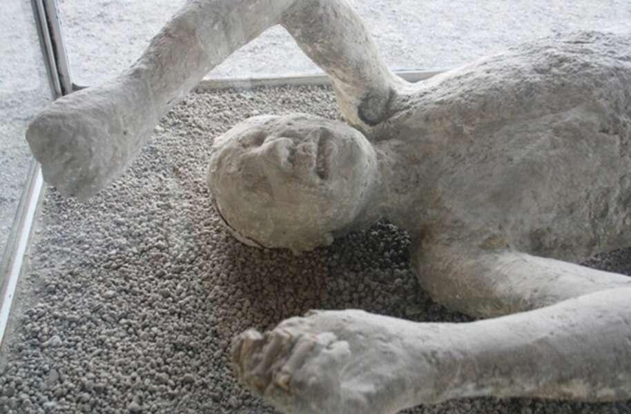 Pompeii Bodies: 14 Shocking Photos