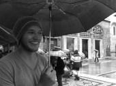 Oli in the Plaza