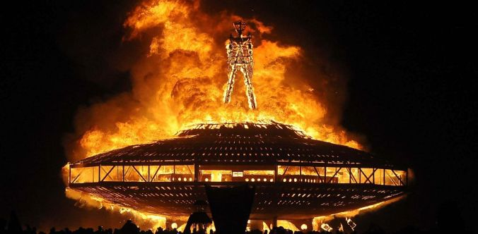 burning_man_swar_33x16_1600