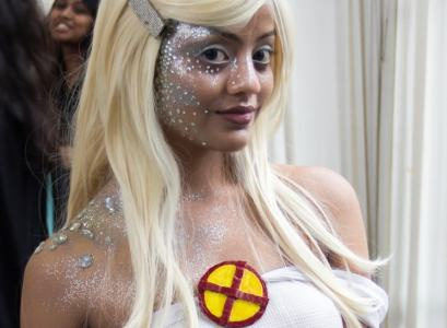 Cosplayer dressed as Emma Frost