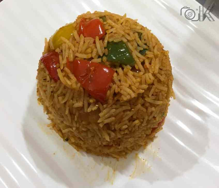 Hot garlic sauce flavoured vegetable rice