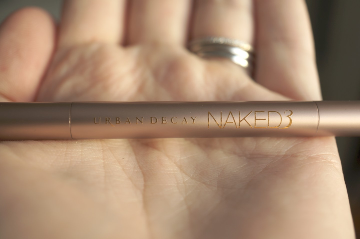 urban decay naked 3 brush