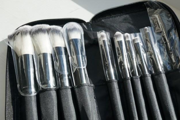 catwalk glamour brush set