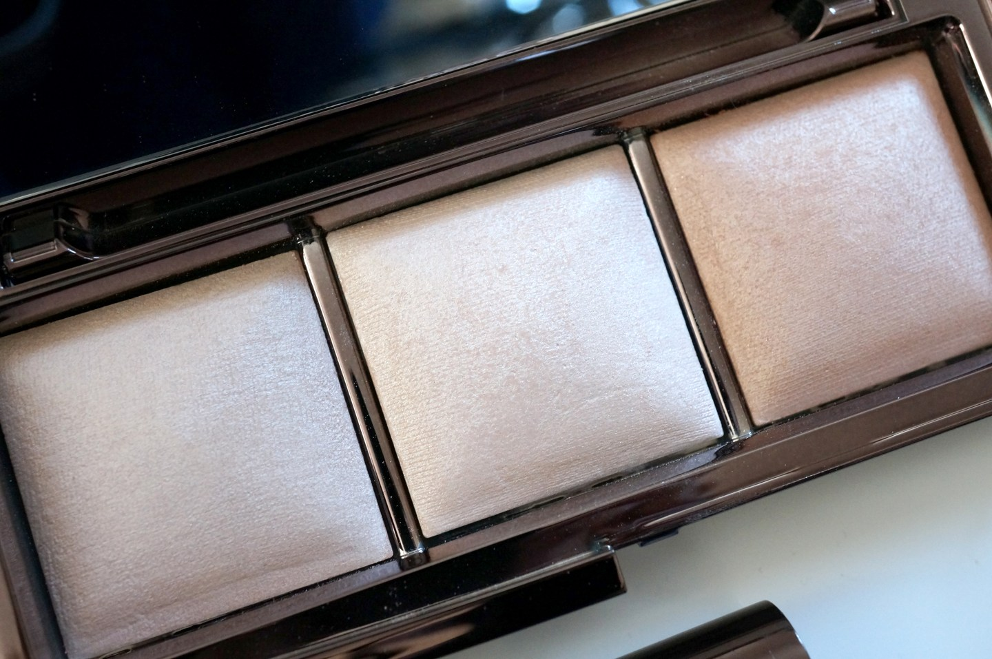hourglass palette