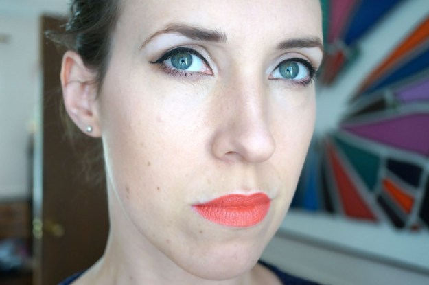 summer-coral-lips-look