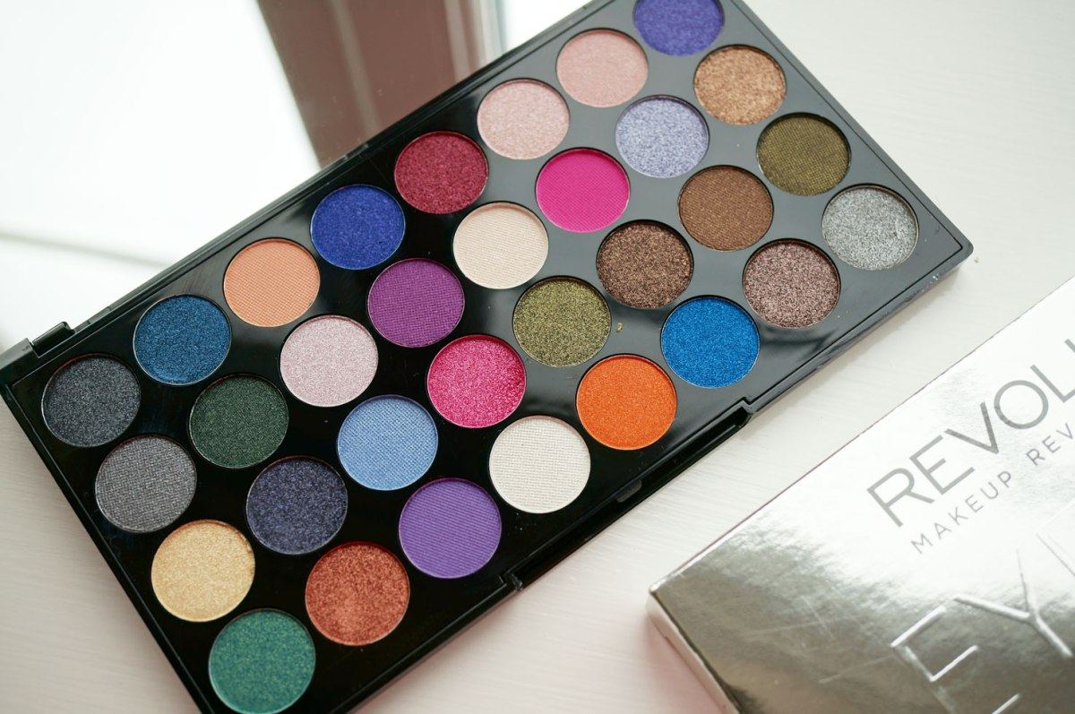 NEW Makeup Revolution Ultra Eyes Like Angels Eyeshadow Palette | Review