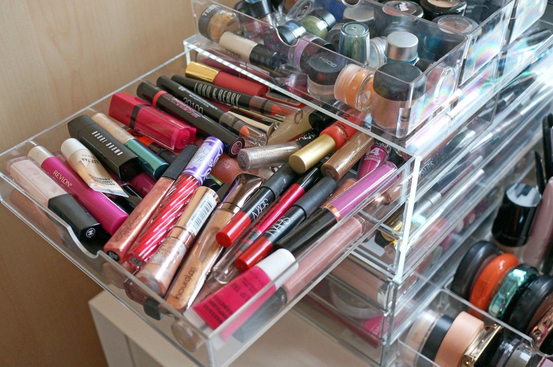 makeup-storage-drawers