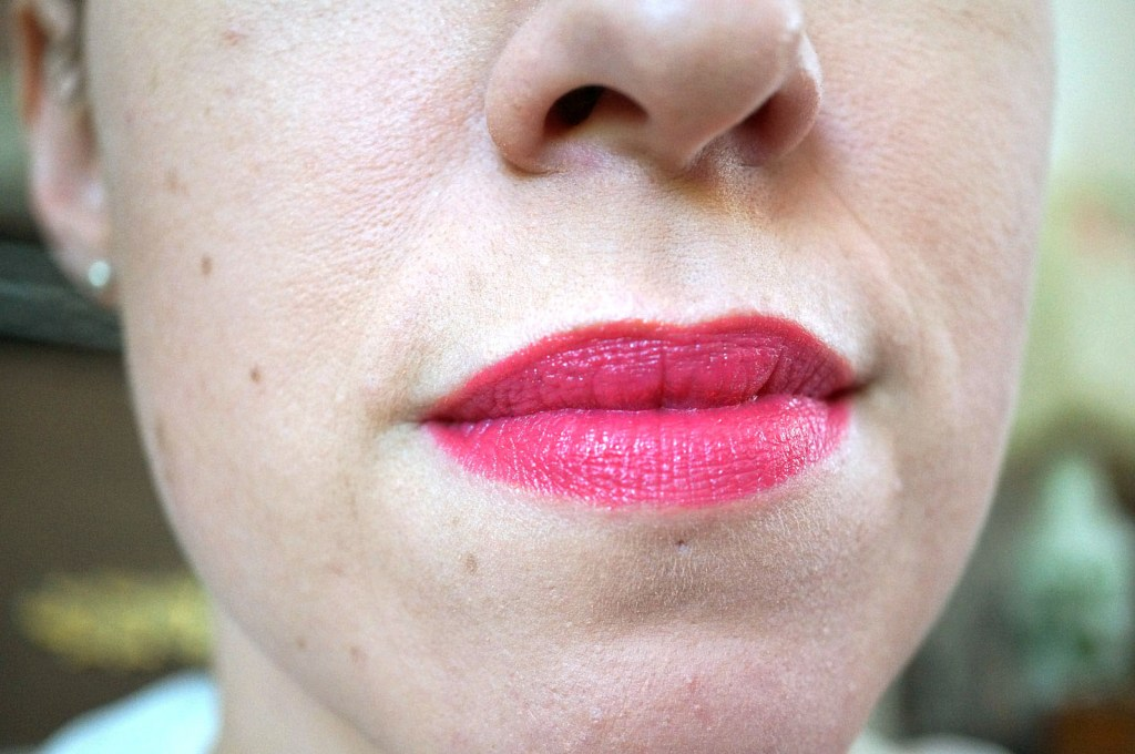 maybelline-shocking-coral-review-1