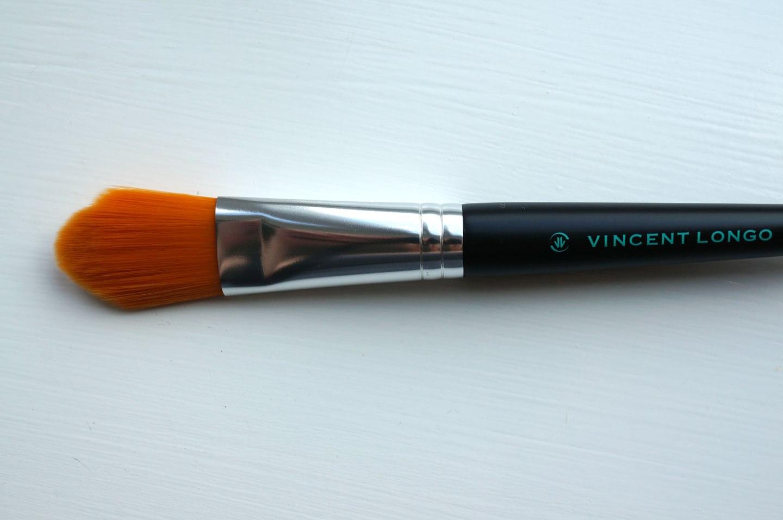 vincent-longo-foundation-brush