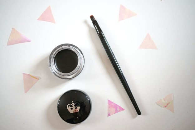 rimmel-scandaleyes-gel-eye-liner