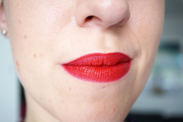 Makeup-Revolution-atomic-lipstick-ruby