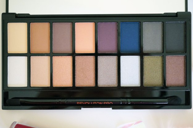 makeup-revolution-iconic-palette-review