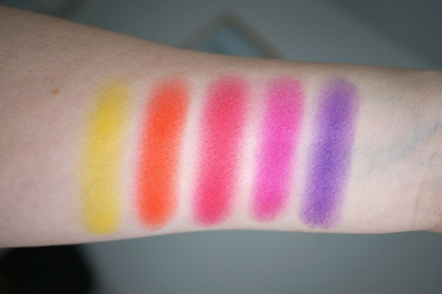Intensissimi-eyeshadow-palette-swatches