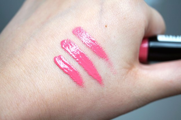 kiss-cosmetics-lip-vinyl-first-kiss-swatch