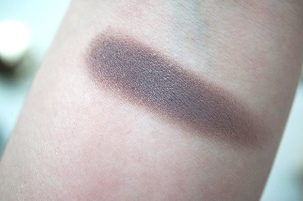 clarins-Ombre-Matte-eyeshadow-heather-swatch