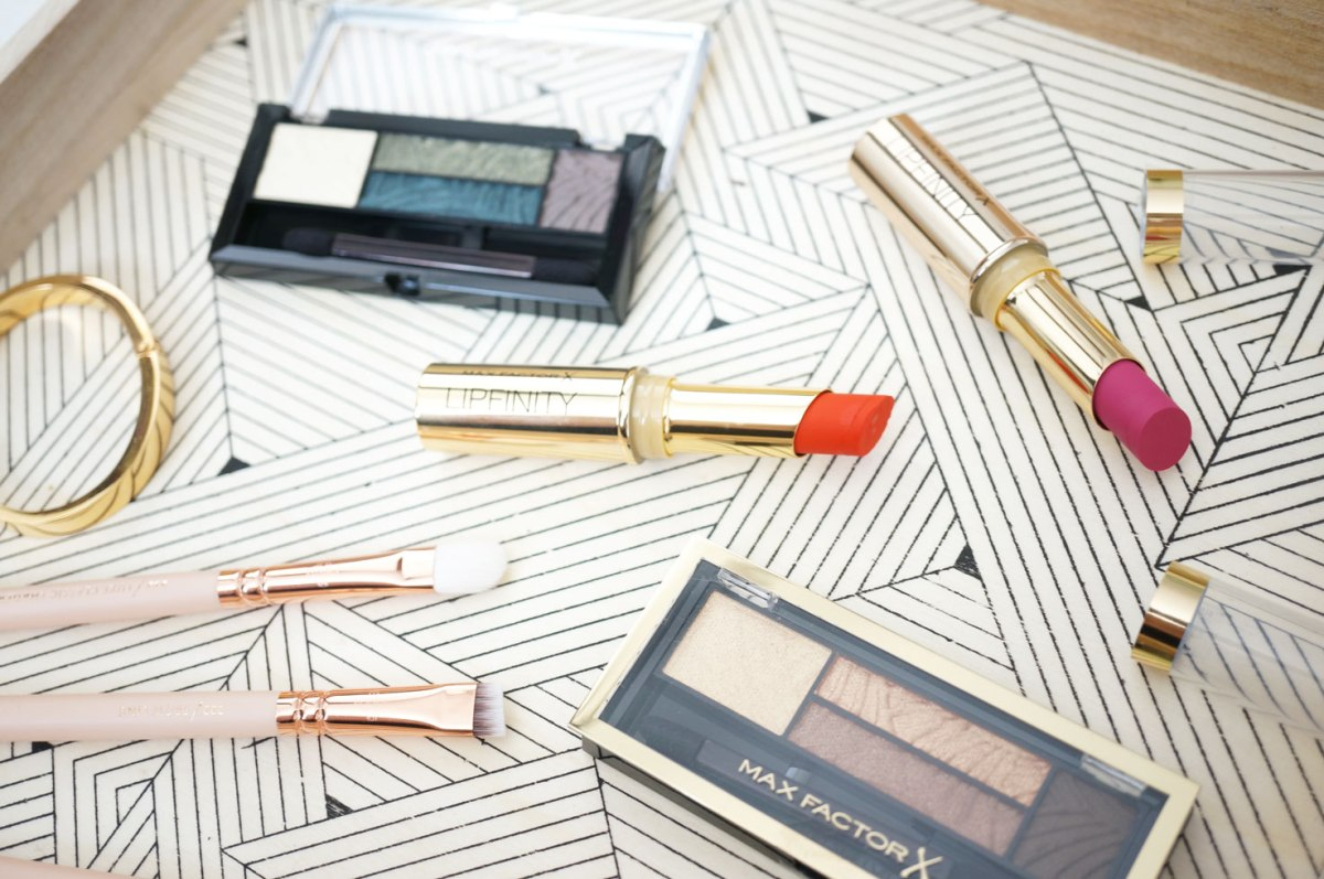 Max Factor Smokey Eye Kits & Lipfinity Lipsticks