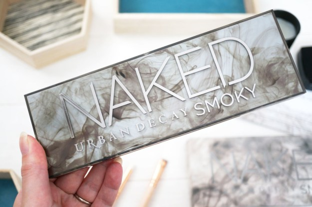 urban-decay-naked-smoky-packaging