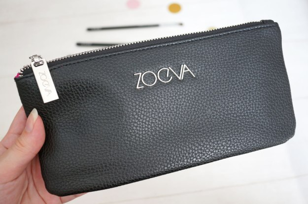 zoeva-bon-voyage-brush-set-bag