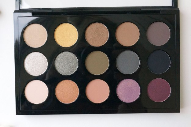 MAC-Eye-Shadow-Palette-X-15---Mellow-Moderns-review