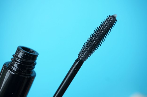 instant-lash-volumiser-brush