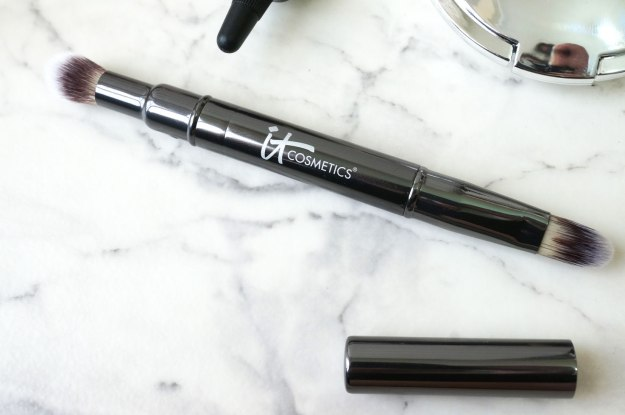 it-cosmetics-concealer-brush-review