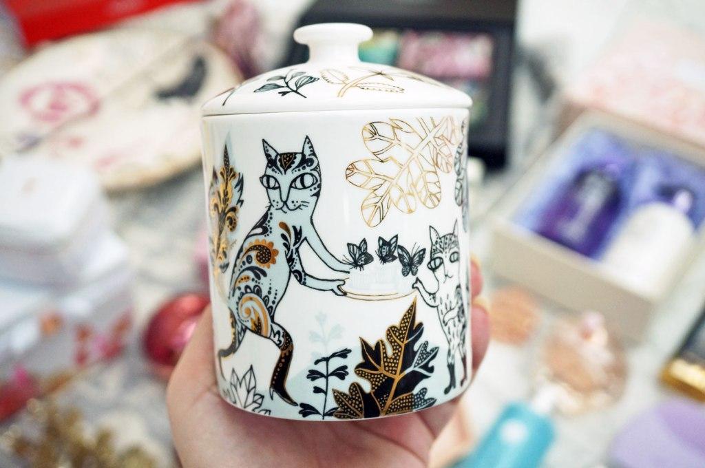 lush-designs-cat-candle