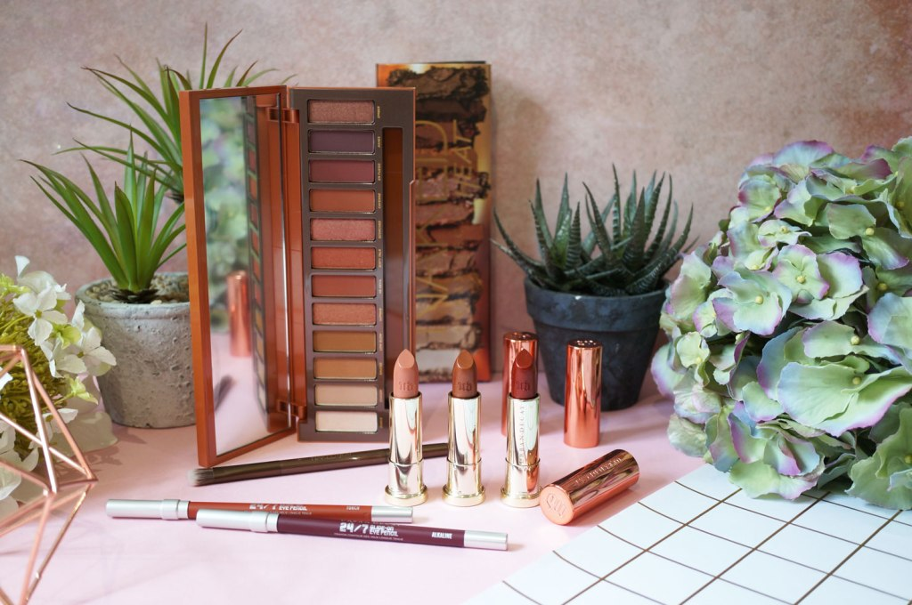 Giveaway! Win The Entire Urban Decay Naked Heat Collection!