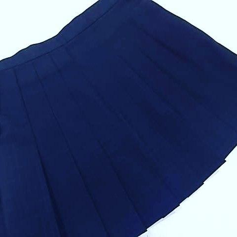 制服スカート丈詰め。ベルト下35cm仕上げ。#洋服のリフォーム #スレッド名古屋 #名古屋 #栄 #ファッション #制服 #スカート from Instagram
